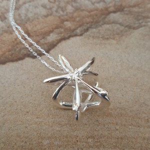Embrace Silver Pendant Necklace - Techniflow